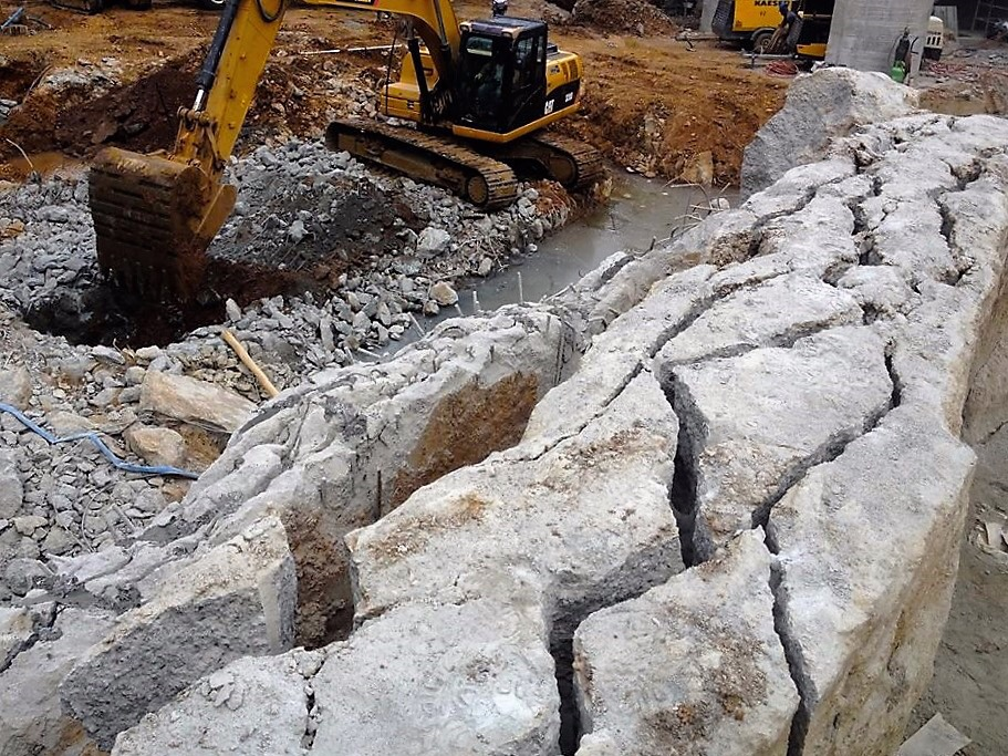 demolicion de muro con cemento expansivo