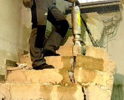 Rompiendo escaleras con darda